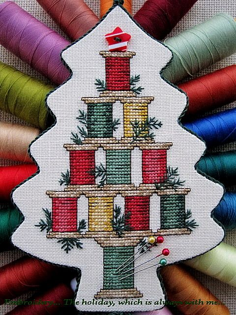 """Embroidery ... The holiday, which is always with me...: Подвеска """"Christmas Spool Tree"""""""