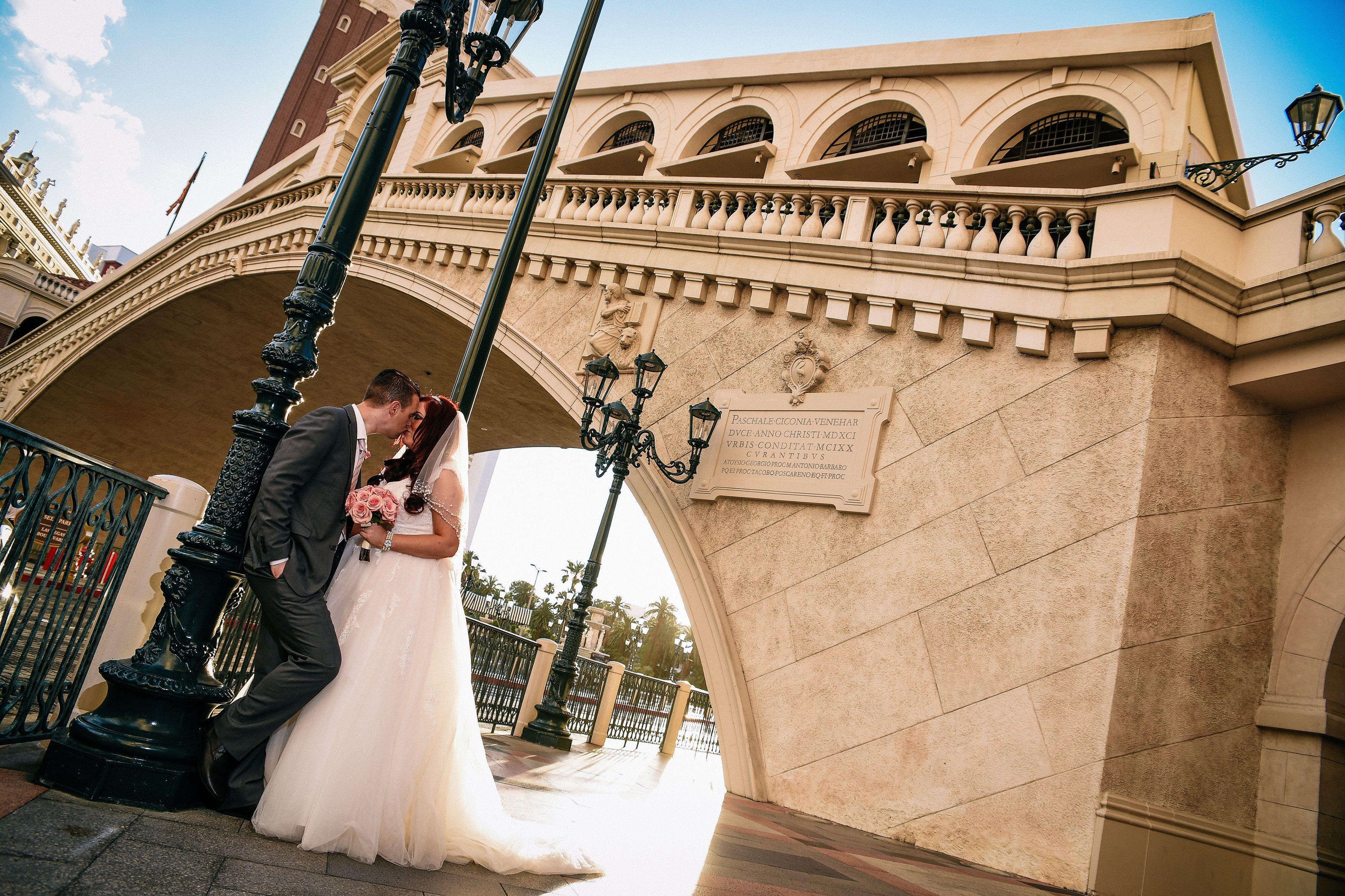 Las Vegas Weddings Wedding In Vegas Chapel Of The Flowers Las Vegas Wedding Chapel Las Vegas Weddings Vegas Wedding Chapel