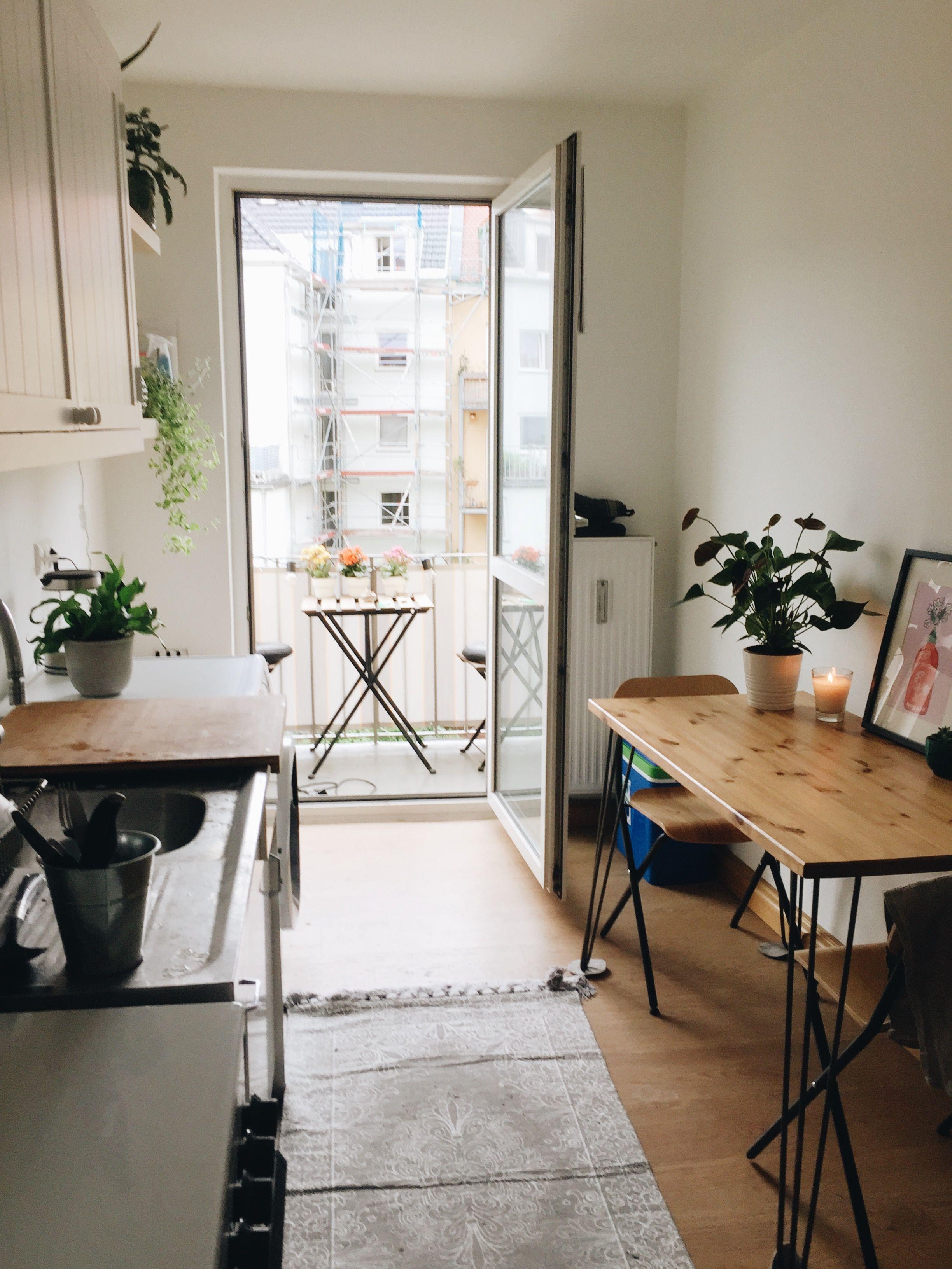 Susse Kuche Mit Balkon Wg Zimmer Zimmer Zimmer Dekor Ideen