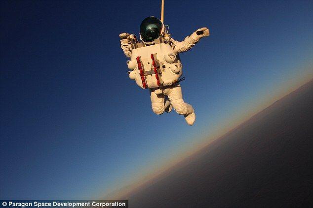 Google Executive Breaks Felix Baumgartner S Parachute Jump Record Felix Baumgartner World Records Extreme Sports