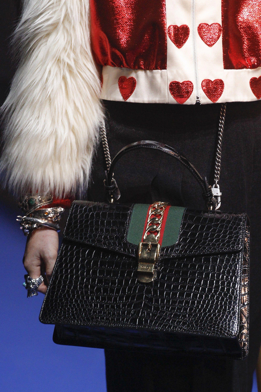 a87be9d2718 Gucci Spring 2018 Ready-to-Wear Collection Photos - Vogue  Designerhandbags