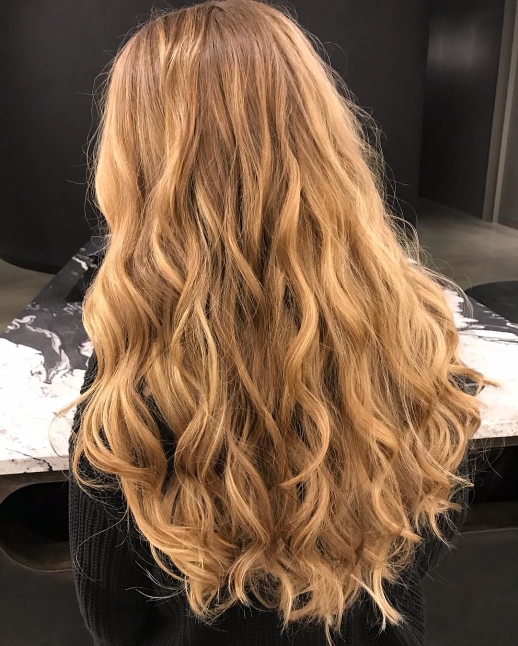 Natural Balayage On Extra Long Locks By The Design Team At G Michael Salon Indy S Premier Oribe Salon Indy Indyhair Carmelindiana Indianapolis Balayage