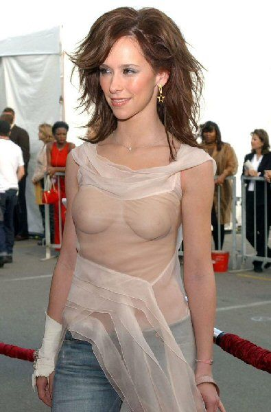 Were So In Love With Jennifer Love Hewitt And Her Body Is Indeed A