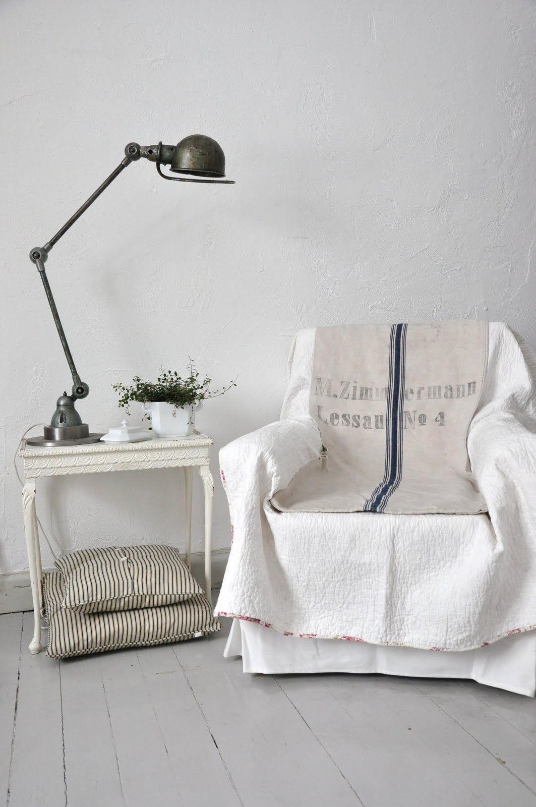 brocante d co industrielle brocante meuble de m tier meuble d 39 atelier lampe jielde lampe d. Black Bedroom Furniture Sets. Home Design Ideas