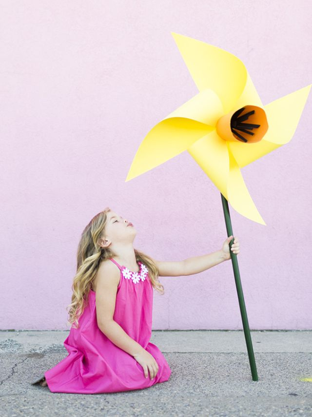 DIY giant flower pinwheel | Rosas y Años