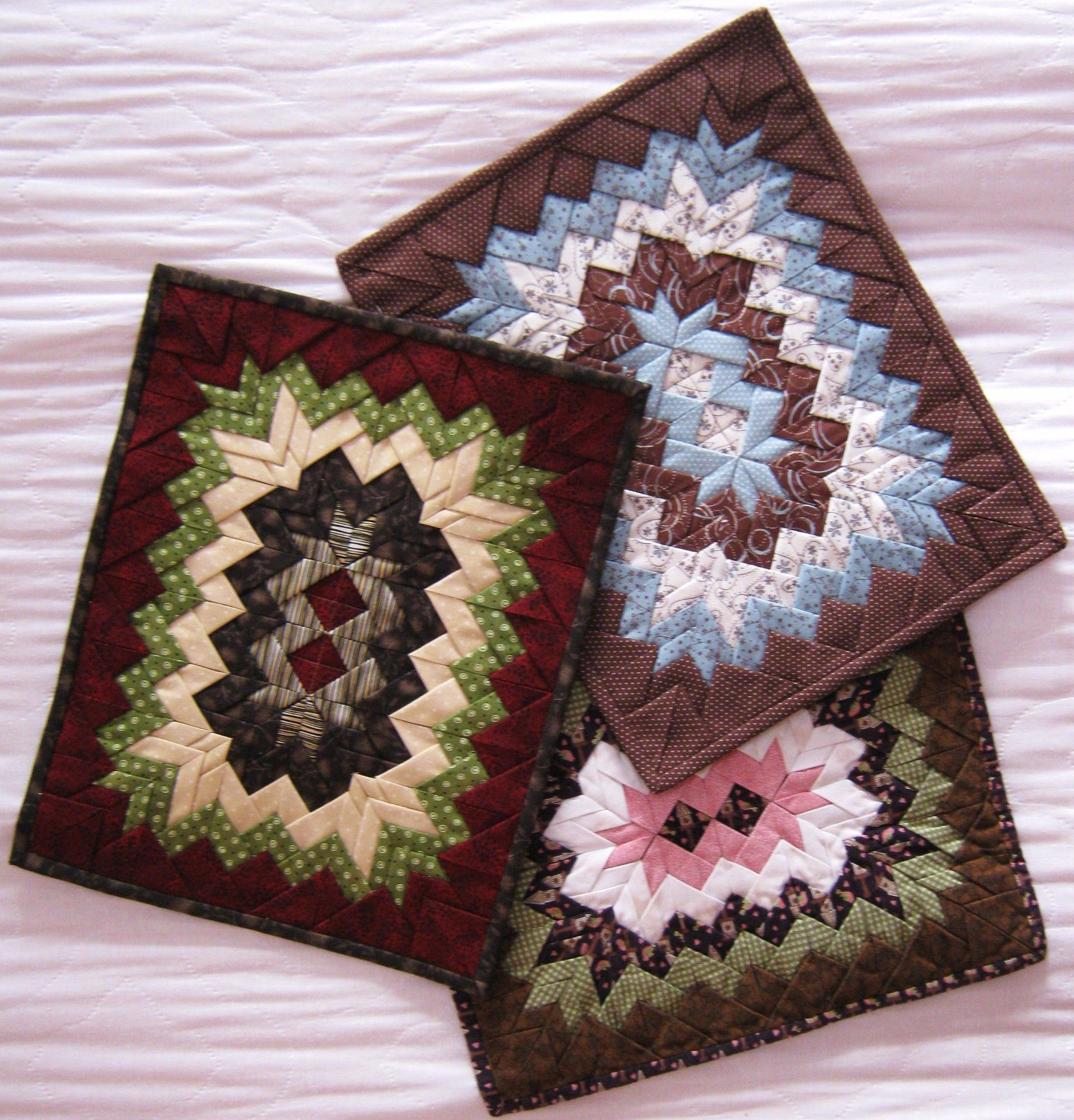 Quilted Fan Placemats Patterns Take Four Placemats Pattern Quilt Patterns Epatterns Quilted Placemat Patterns Placemats Patterns Folded Fabric Ornaments