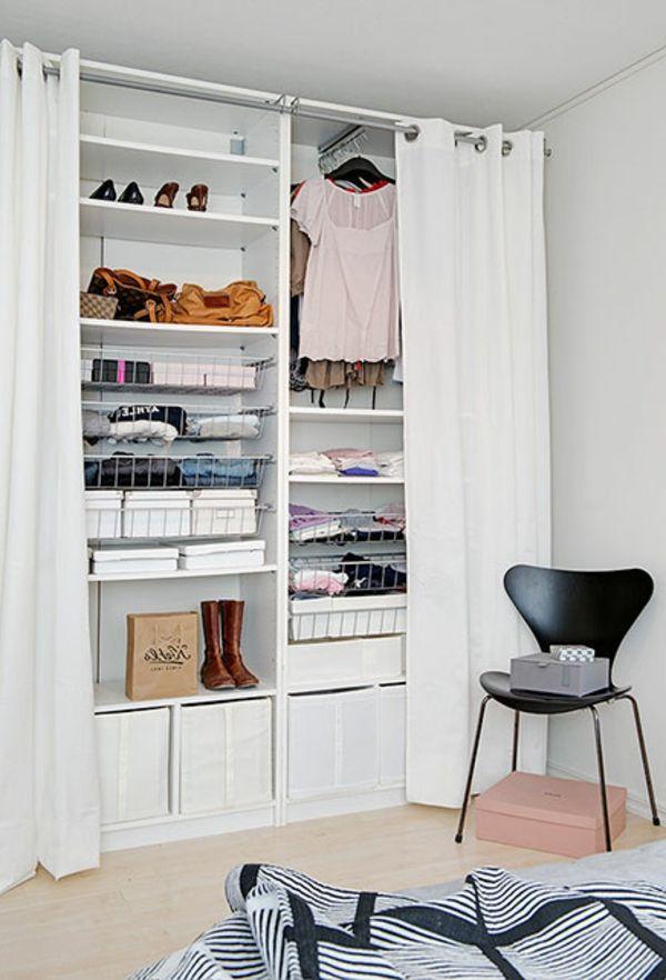 kleiderschrank-begehbar-modern-weiß-stuhl-in-schwarz | Möbel Ideen ...