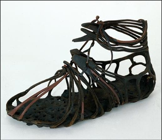 mesures de longueur rome une authentique chaussure. Black Bedroom Furniture Sets. Home Design Ideas