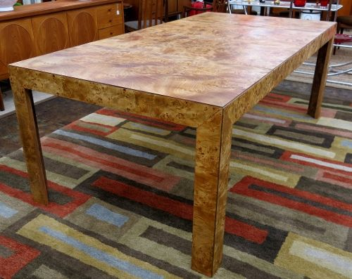 Fabulous Parsons Style 1970s Burled Wood Table By Thomasville. Has 2 Leaves  And Can Easily