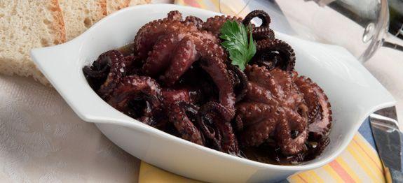 I moscardini alla diavola sono un piatto a base di pesce for Cucinare moscardini
