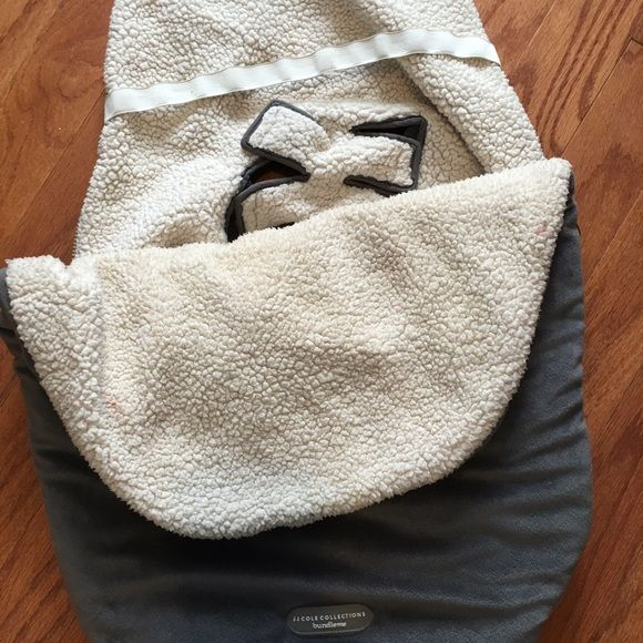 Like New JJ Cole Bundle Me Car Seat Cover