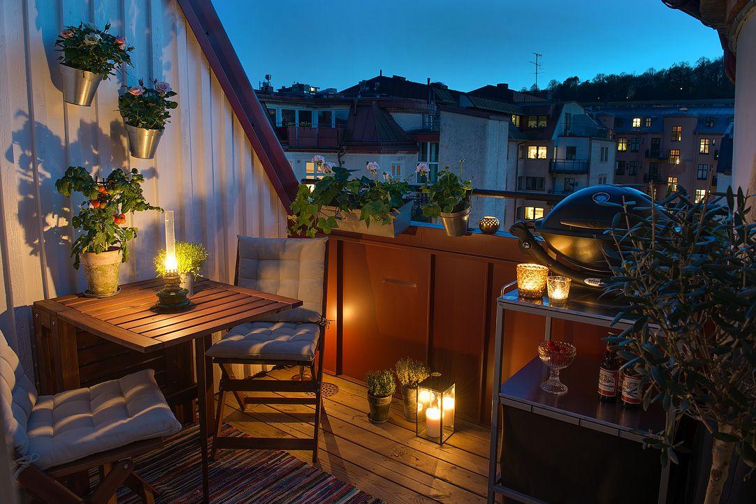 コンパクトでも雰囲気最高 キッチンに隣接するバルコニーの屋外