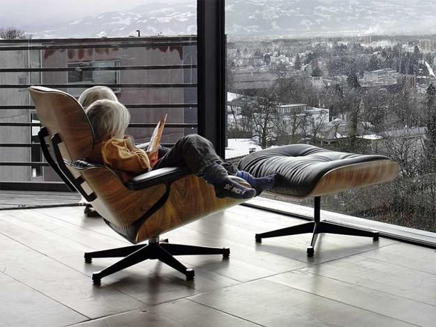 Eames Chairs Comfortable And Modern Interior Design With Designer Chairs Eames Lounge Chair Chair Design Eames Chairs