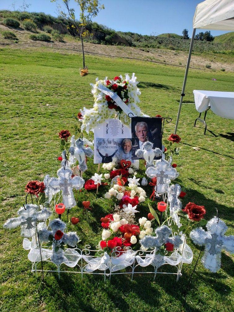 1 year memorial of my dad 😞😇 | Gravesite decorations ...