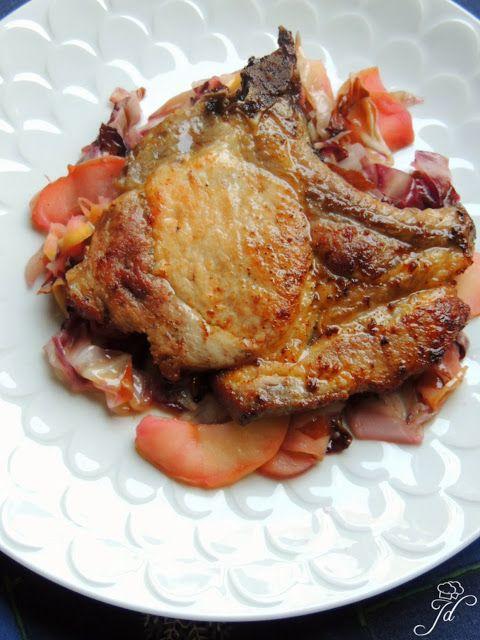 Jedozovni duo: Roast pork chops with radicchio and apples - Svinjski kotleti s crvenim radičem i jabukama