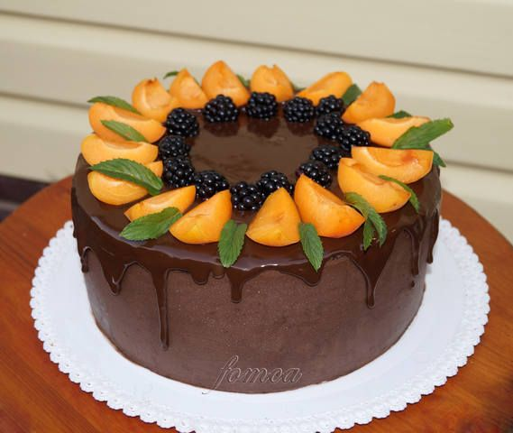 Украшения торта фруктами 71