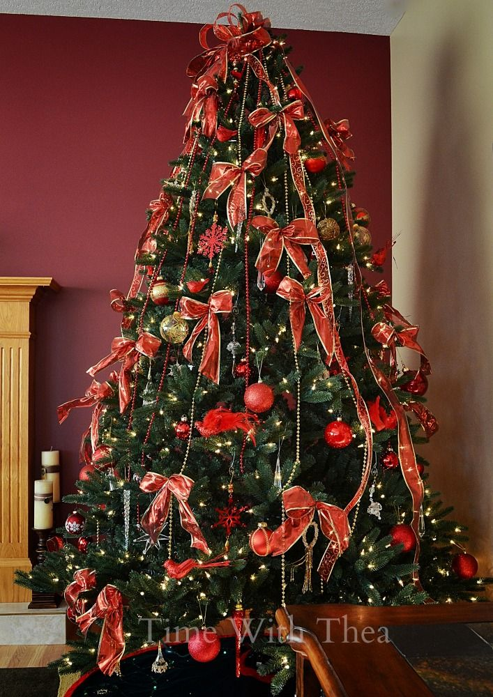 how to decorate a christmas tree step by step instructions showing how to