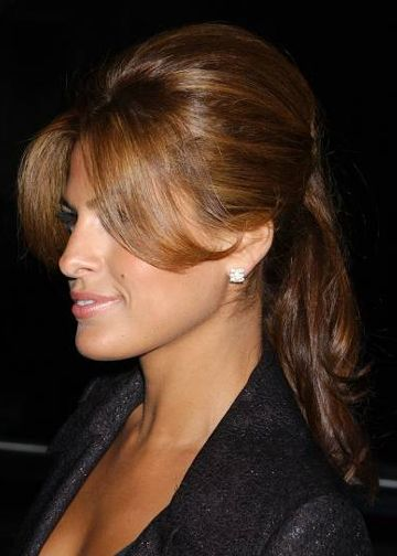 This Concept On Eva Mendes Is So Doable For Short Hair Center Part With Flippy Bangs And A Little Volume For Th Eva Mendes Hair Great Hair Long Hair Styles