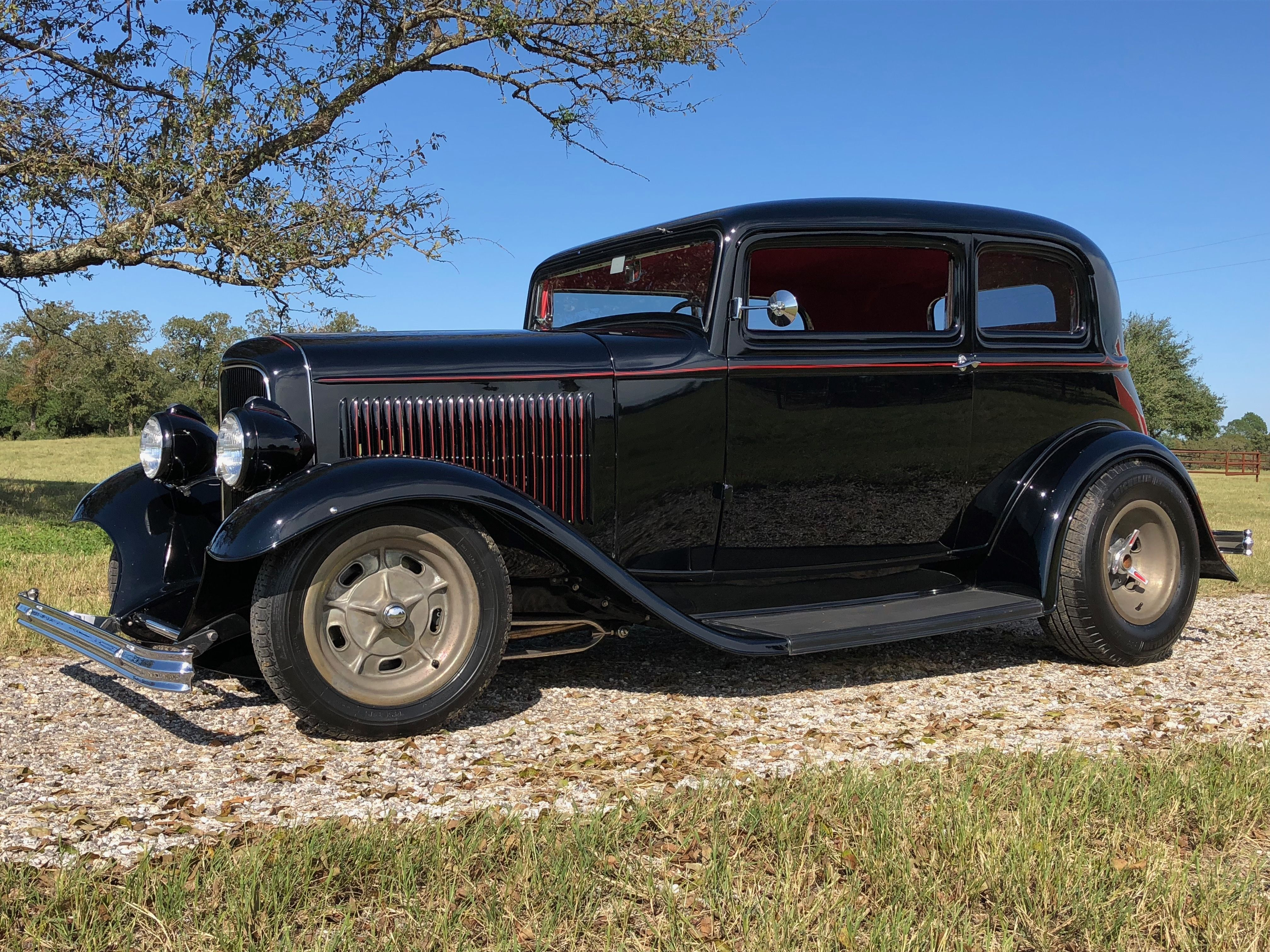 1932 vicky mid 50 s hemi 5 speed halibrand wheels and rearend 3 chop 32 ford 1932 ford hemi pinterest