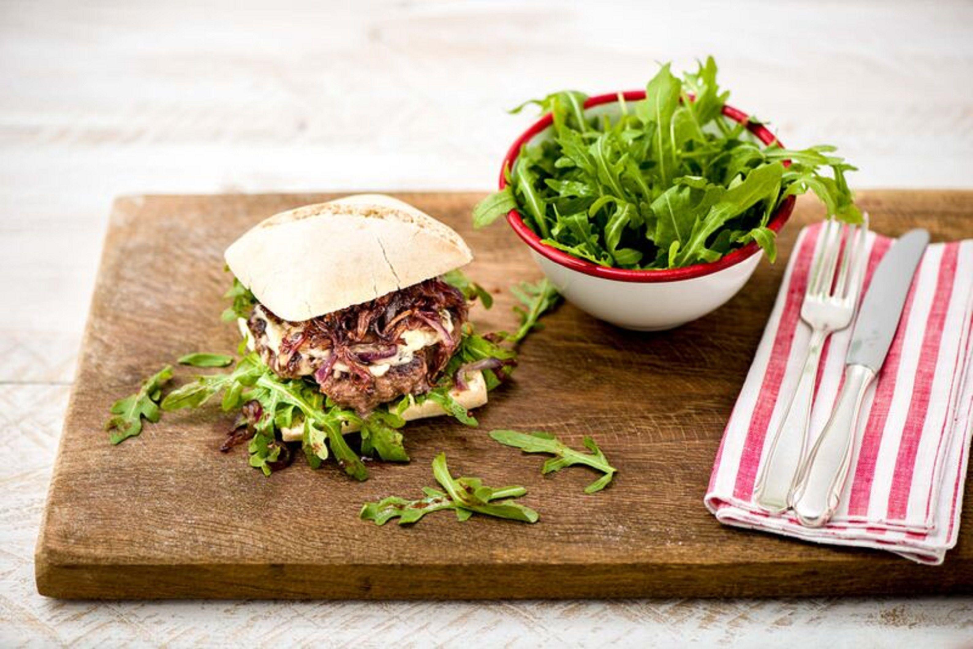 Blue apron lemongrass burger - Italian Ciabatta Burgers With Caramelized Onion Mozzarella And Sweet And Tangy Arugula Salad