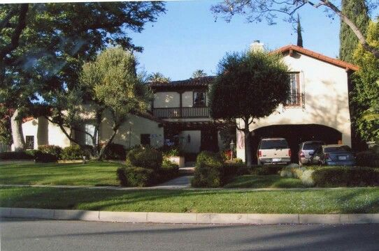 Jean Harlow S Last Home In 1936 Beverly Hills Ca 512 N Palm Dr Celebrity Houses Hollywood Homes American Mansions
