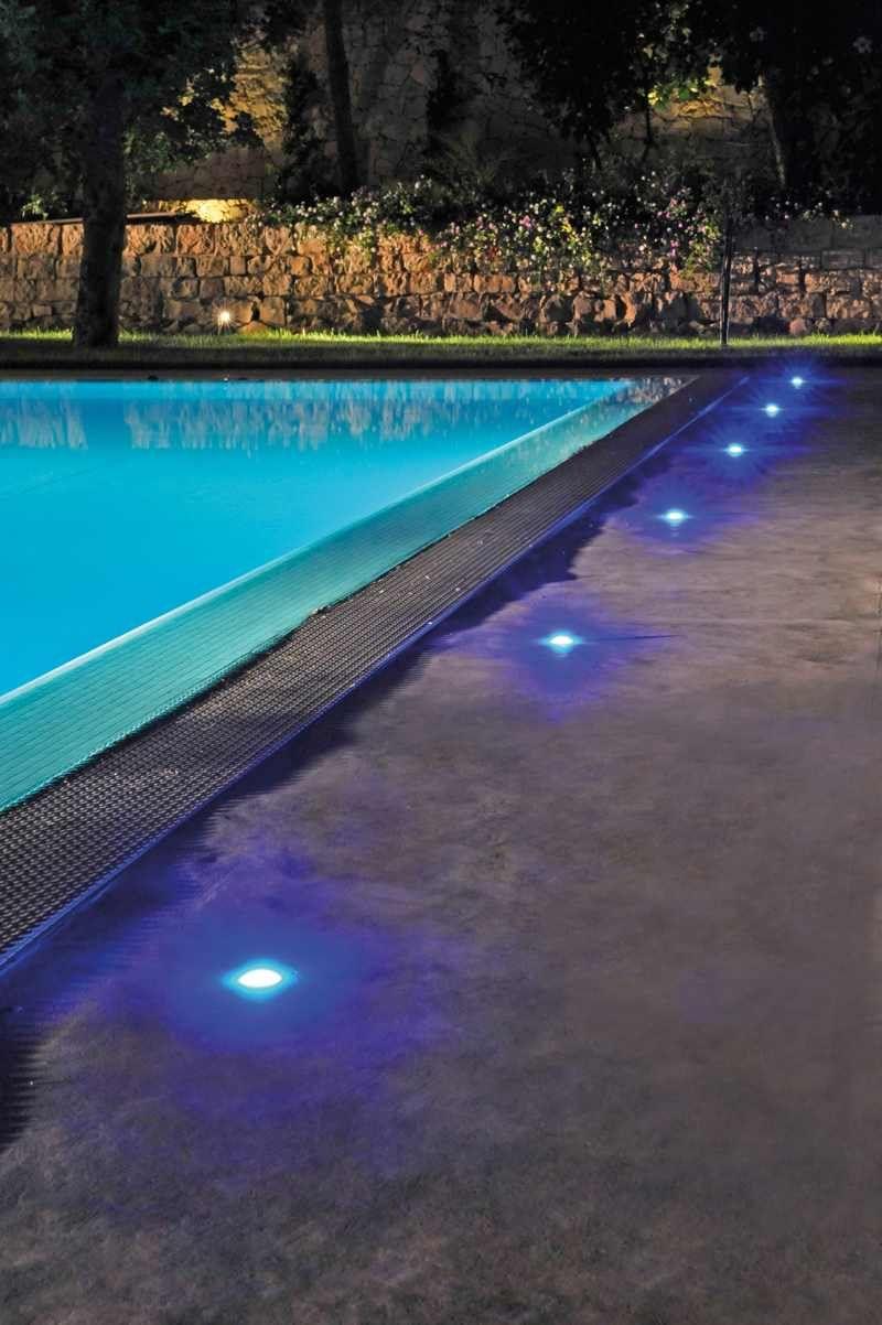 Novedades para exteriores iluminaci n de piscinas for Iluminacion para exteriores