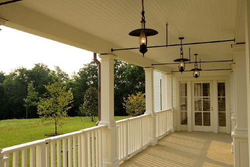 Amazing Traditional Porch Design With Vintage Pendant