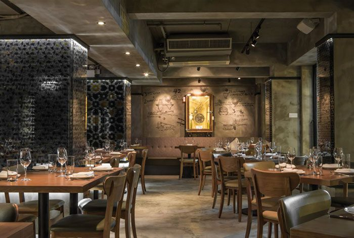 Vintage Restaurant Decor | Restaurant deko, Restaurant ...