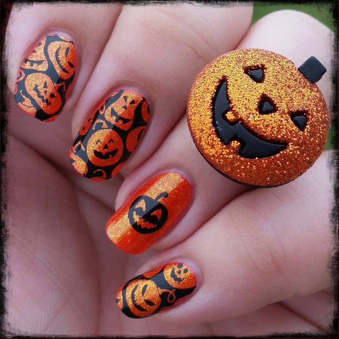 35 Creepy Halloween Nails For The Scary Holiday ...