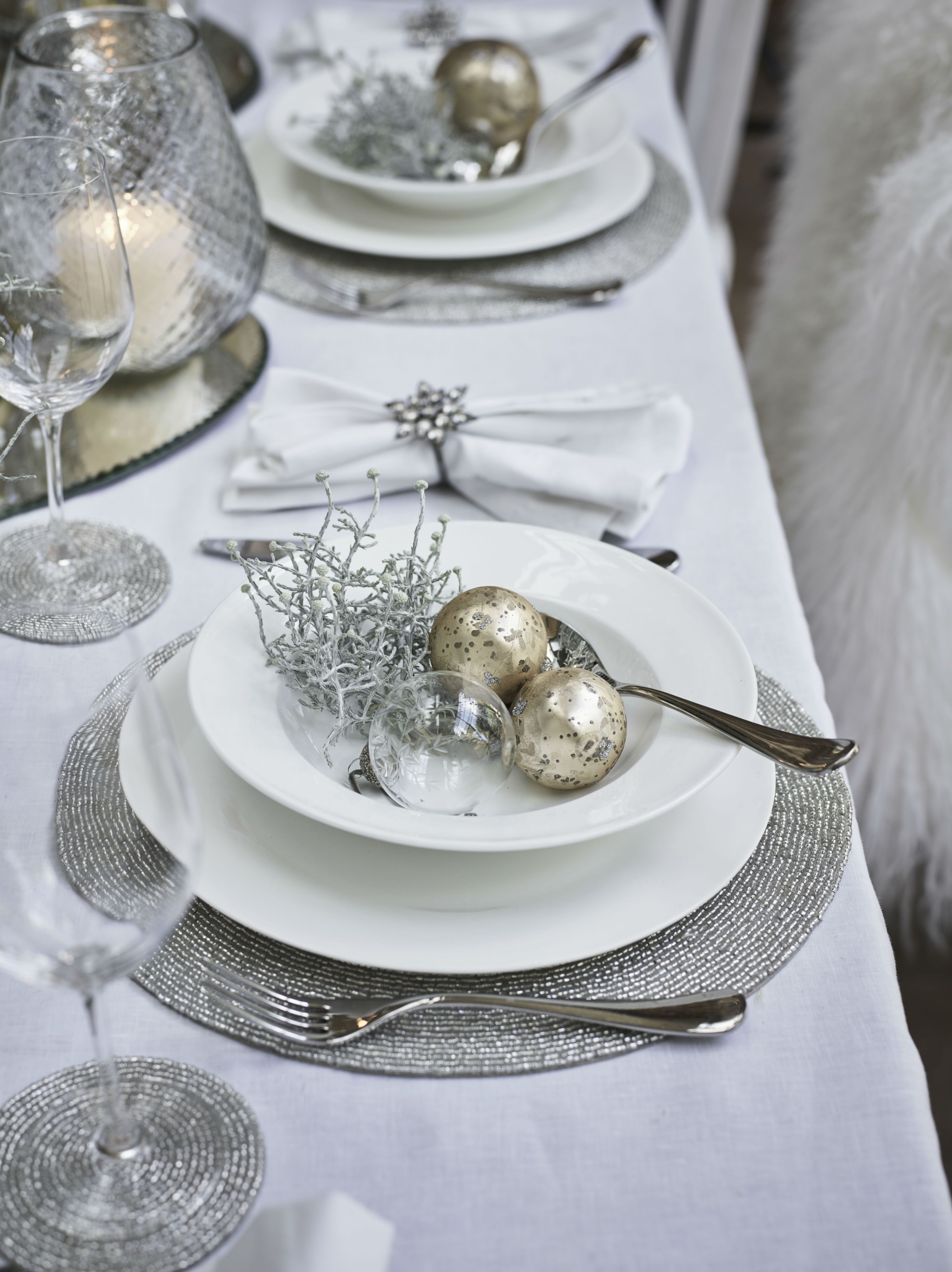 Creating A Beautiful Christmas Dining Table The White Company Christmas Dining Table Christmas Dinner Table Silver Christmas Decorations