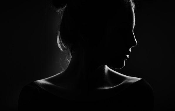 Женщина голая на черном фоне, смотреть порно онлайн жена трахает мужа страпоном