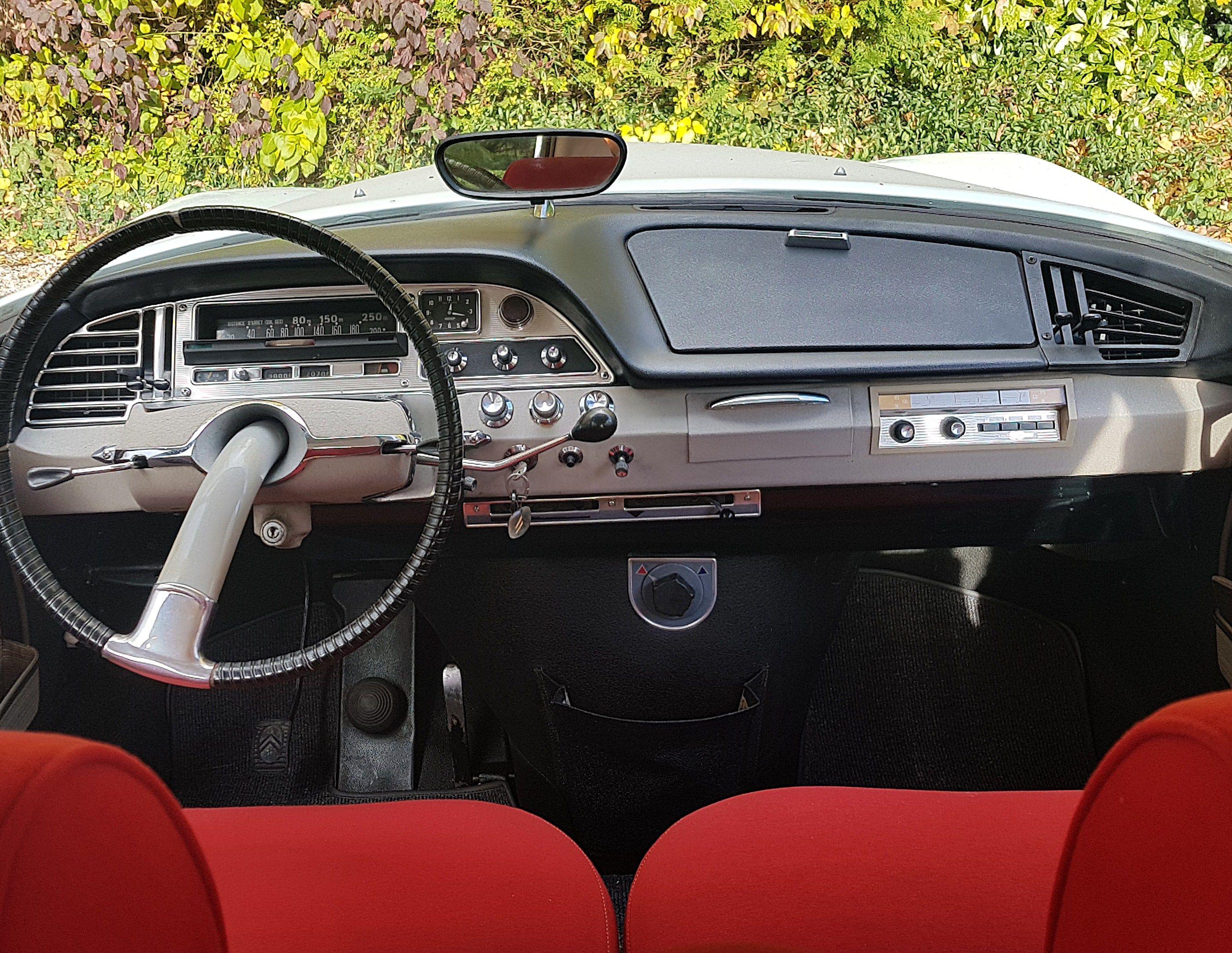 Citroen DS 21 1968 dashboard Citroen ds, Citroen