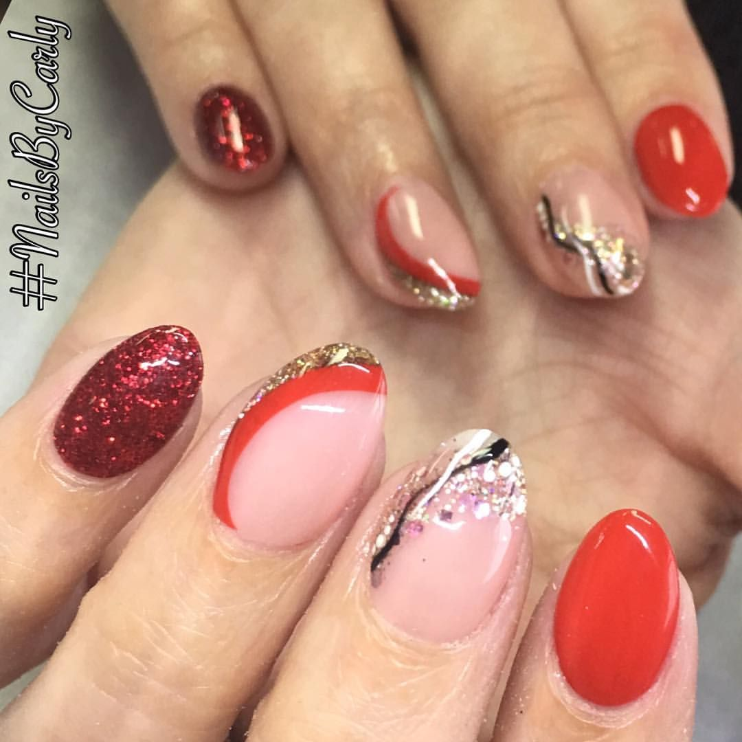 See this Instagram photo by @nailsbycarlyreilly • 37 likes