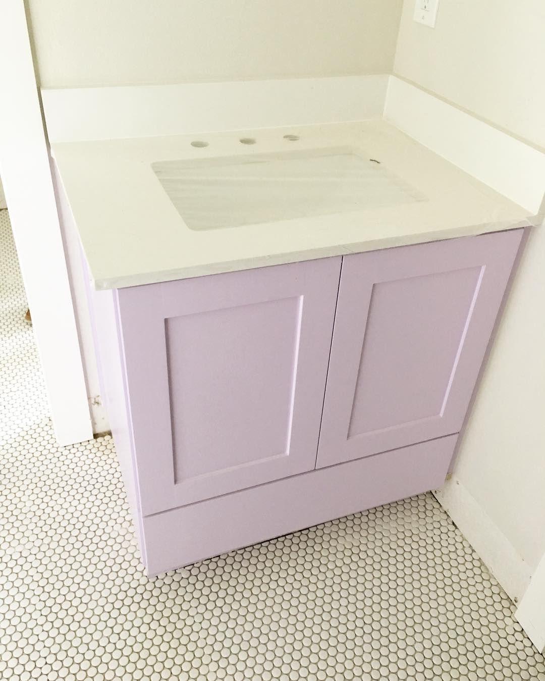Benjamin Moore Bathroom Colors: Benjamin Moore Lily Lavender