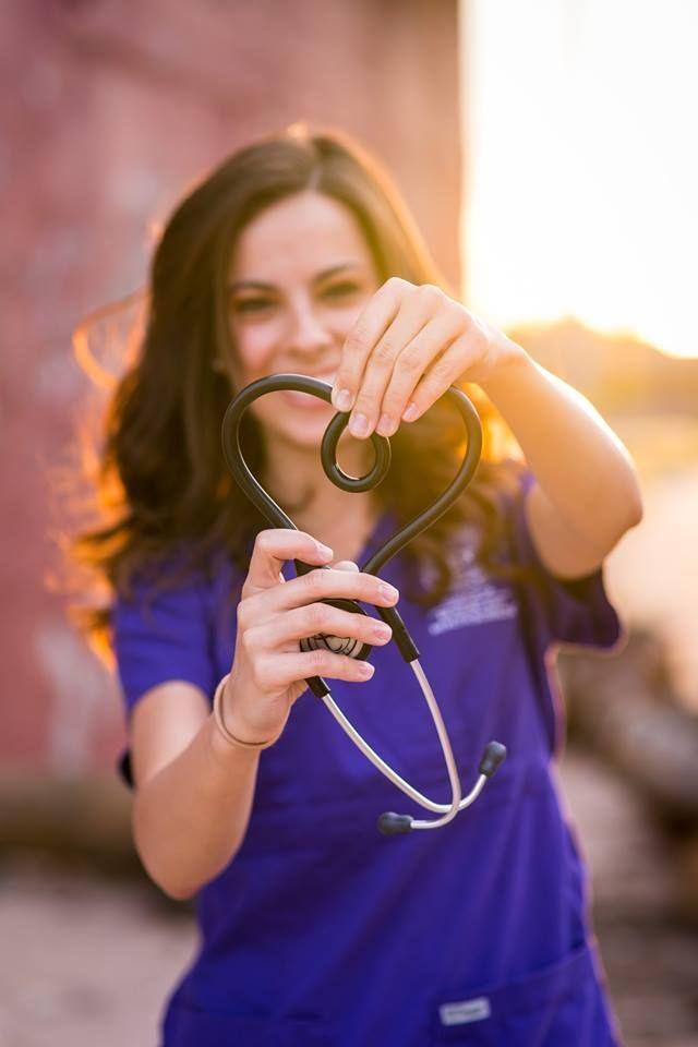b2b98e033b Inspirações para fotos de formatura | Graduation pictures to get inspired!  Mais