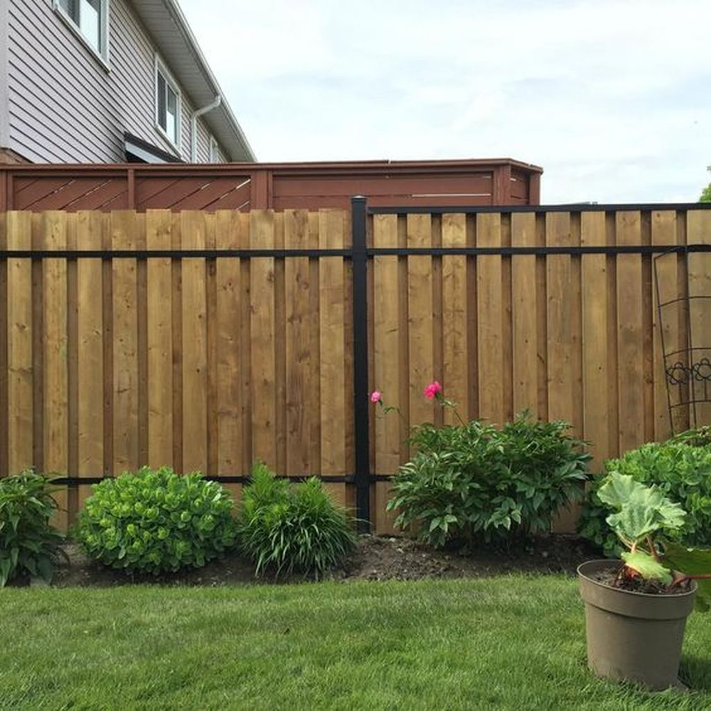 5 Reasons Why Wooden Fence Is Everyone S Favorite In 2020 Aluminum Fence Patio Fence Fence Design