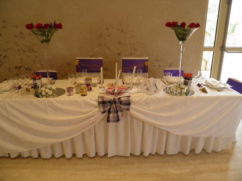 5 id es pour d corer la table d 39 honneur des mari s deco abbe pinterest les tables honneur. Black Bedroom Furniture Sets. Home Design Ideas
