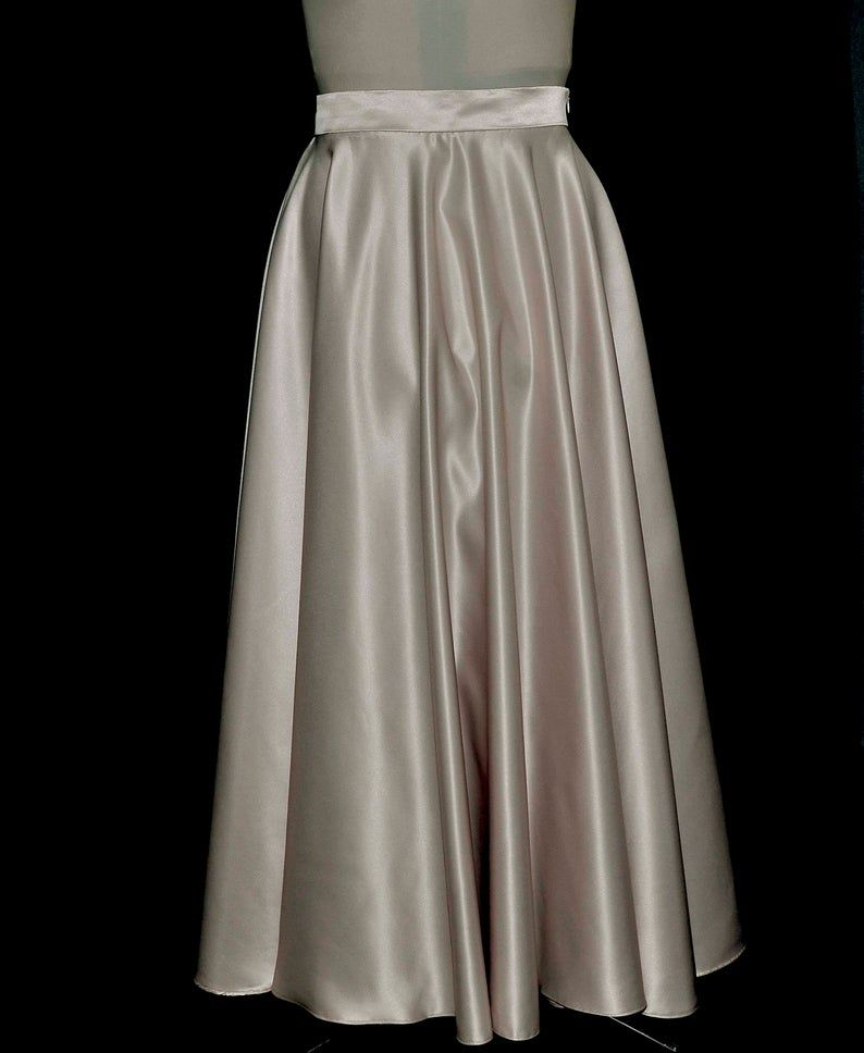 Champagne duchess satin Skirt size 12-14 ladies .. formal wear... weddings... bridesmaids... holiday (REDUCED)
