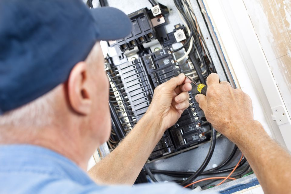 What To Do When Fuse Box Keeps Tripping