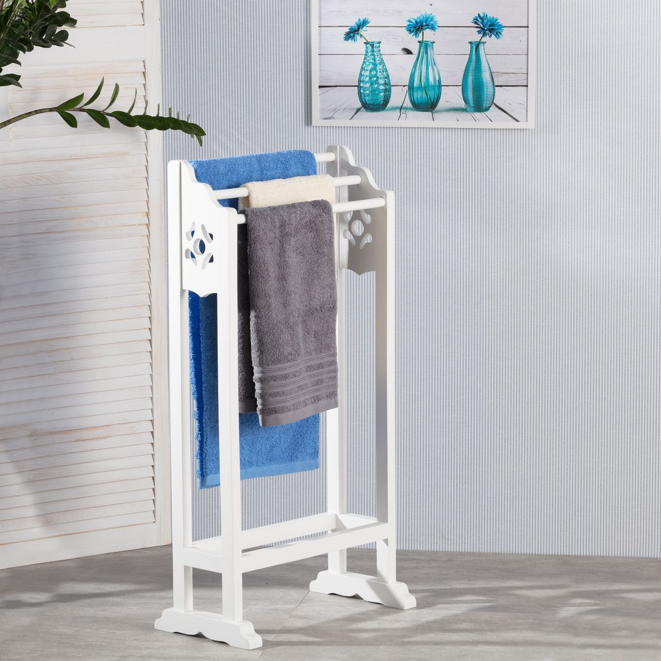 Immer Liegen Handtucher Und Kleidung Irgendwo Im Badezimmer Verstreut Der Elegante Stander Schafft Abhilfe