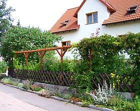 Sichtschutz Vor Dem Haus Balkon Und Hauseingang Ideen Pergola