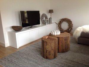 Witte tv-kast