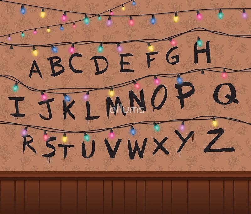 Mug Isotherme Stranger Things Alphabet Wall Par Ellums Paredes
