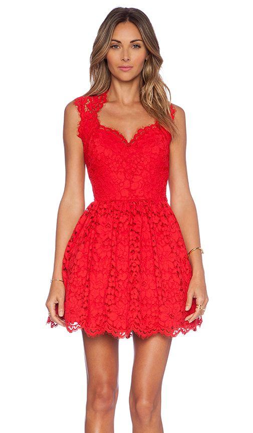 Revolve Clothing Rote Spitzenkleider Hubsche Kleider Kleider