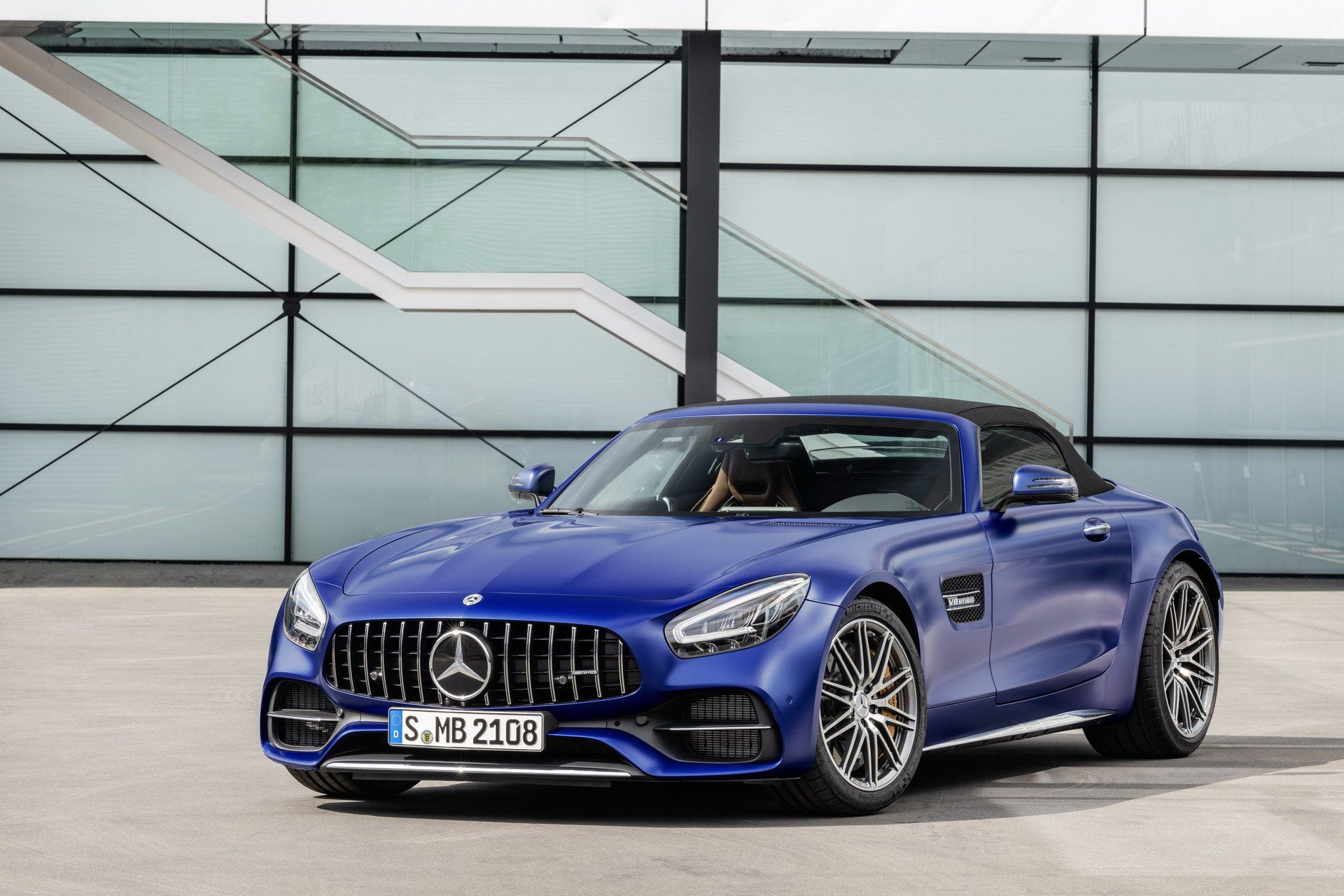 2020 Mercedes Amg Gt R Pro Headlines Updated 2 Door Gt Family Carscoops Mercedes Amg Benz Mercedes Benz