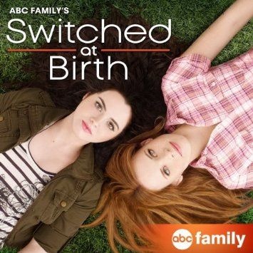 Switched At Birth S Katie Leclerc To Attend Dogs For The Deaf Dog