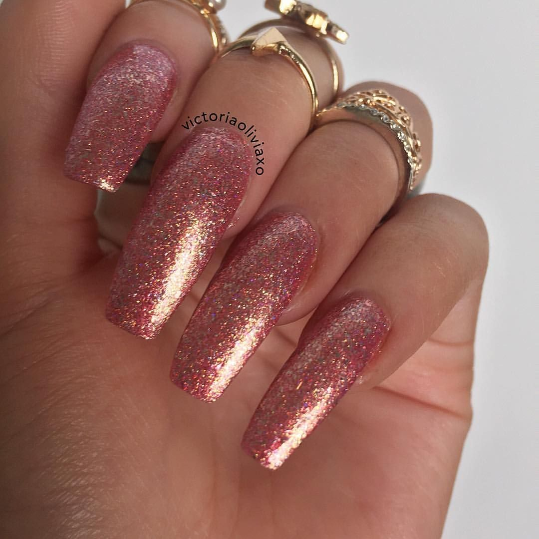 ✨✈️ Wanderlusting from @glitterdaze (this is great in one coat) #INSTANAILS #NAILS #NAILGAME #NOTD #NAILSTAGRAM #NAILSWAG #NAILPOLISH #NAILS2INSPIRE #NAILSOFINSTAGRAM #NAILSOFTHEDAY  #GLITTERDAZE #GLITTERNAILS #PINKNAILS