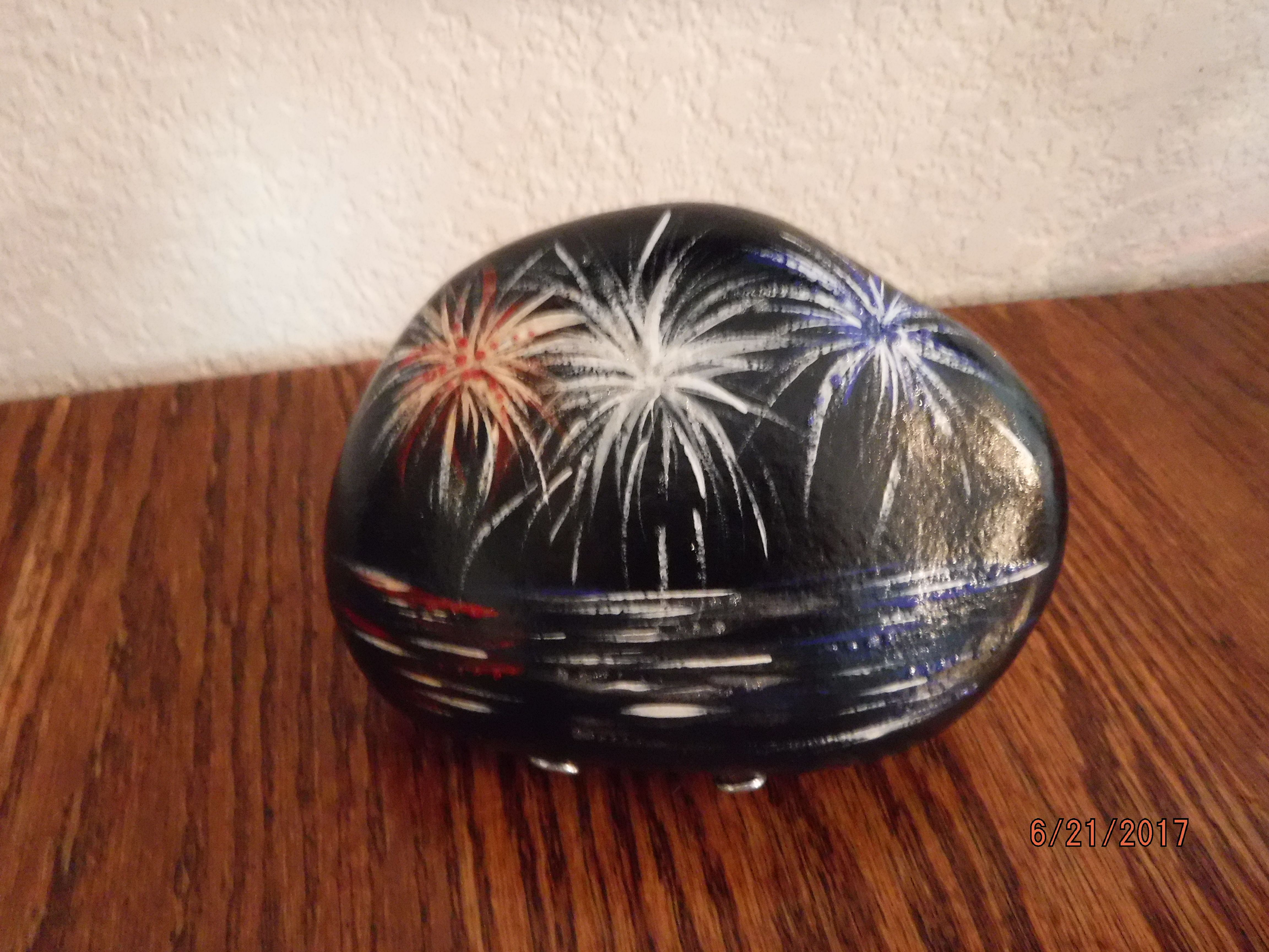 Ready For The 4th Fireworks Over The Water Painted Rock By Cdew Painted Rocks Stone Painting Rock Painting Ideas Easy