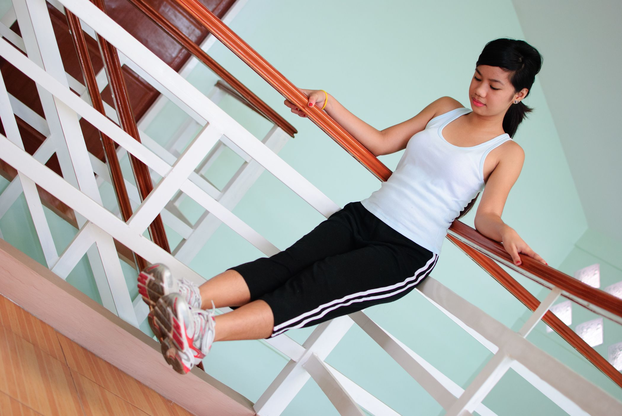 How to Do Leg Lifts in 12 Steps