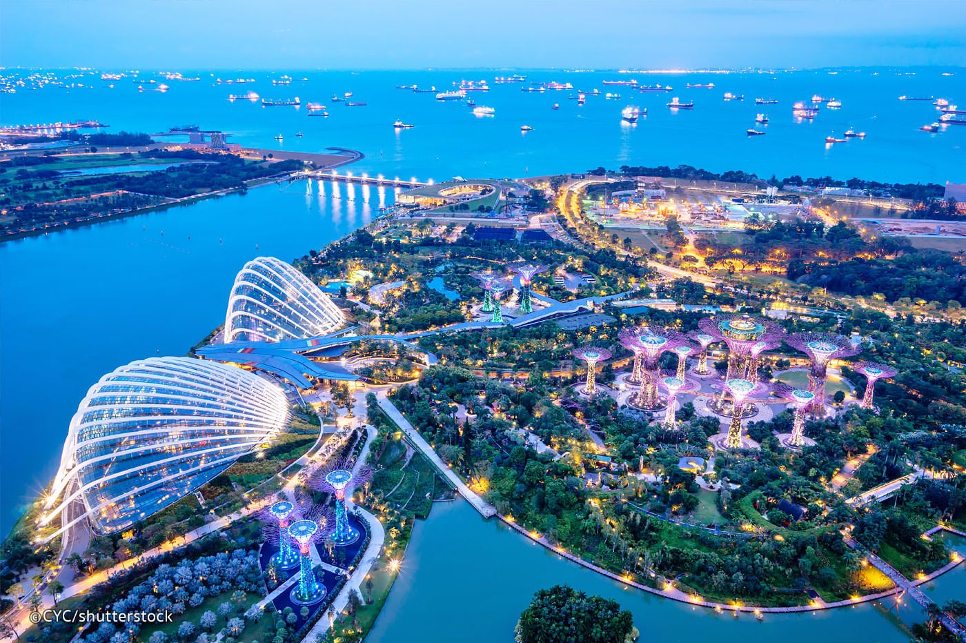 Gardens By The Bay Is A Huge Colourful Futuristic Park In The Bay Area Of Singapore The Famous Sup Singapore Attractions Gardens By The Bay Singapore Garden